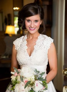 pretty lace v-neck gown | Candace Nelson #wedding