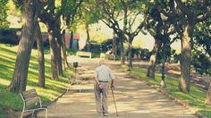 Caminar despacio en la tercera edad puede alertar del riesgo de Alzheimer