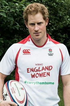 Women's Rugby World Cup Prince Harry and Chris Robshaw send good . Prince Harry Of Wales, Prince William And Harry, Prince Henry, Royal Prince, Prince Harry And Meghan, Prince Charles, Princesa Diana, Chris Robshaw, Womens Rugby