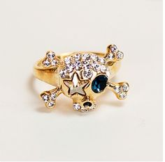 Fashionable Blue Crystal Eye Pirate Skull Alloy With Gold Plated Women's Ring