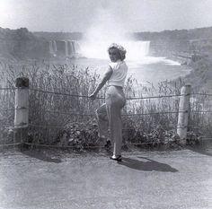 "Marilyn Monroe while filming ""Niagra"" 1953"