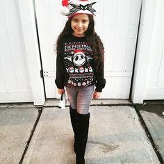 It was a {Disney} Jack Skellington Christmas for us!❤ Late posts coming up because this Momma Bear paused to enjoy our winter break and holidays.  Jack Skellington sweater @target @targetlittles Jeans @hm Boots @tanias.boutique Jack Skellington clutch @hottopic • • • • ____________________________________________________ #jackskellington #ig_fashionkiddies #photooftheday #cutest_kiddies #cutekidsclub #sk_world #hipkidfashion #little__fashionistas #spectacularkidz #trendyigkids #kidsstyl...