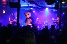 L.A. Witch with Dancing Panda, Batofar, Paris, 2017