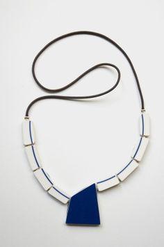 Porcelain Jewelry, Ceramic Jewelry, Clay Jewelry, Jewelry Art, Jewelry Accessories, Jewelry Design, Ceramic Art, Diy Clay Earrings, Ceramic Necklace