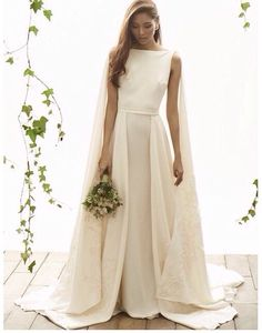 Mi piace molto questo abito: semplice e pulito, ma allo stesso tempo molto elegante.