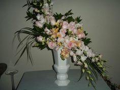 Floral Bouquets, Glass Vase, Bridal, Design, Home Decor, Flower Bouquets, Decoration Home, Bride, Room Decor
