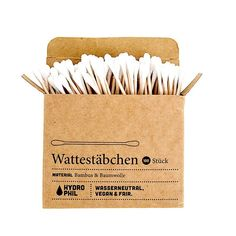 These 100% biodegradable cotton swabs are made from bamboo and cotton, and can simply be thrown into your compost bin after usage!