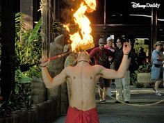 DisneyDaddy: Photo Friday: Torch lighting at the Polynesian
