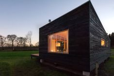 Tiny Cabins, Tiny House Cabin, Tiny House Living, Tiny House Plans, Tiny House On Wheels, Tiny House Design, Sedum Roof, Japanese Bath, House In Nature
