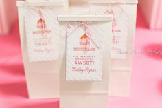 Gorgeous ice cream birthday party! - Party favor bags