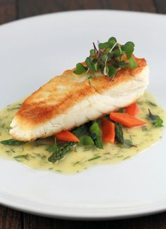 Pan Seared Halibut with Lemon Dill Sauce - I used chicken stock and white Vin instead of the wine.