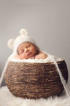 CCC114 Snow Bear New Born Baby Prop Hat - LAST CALL