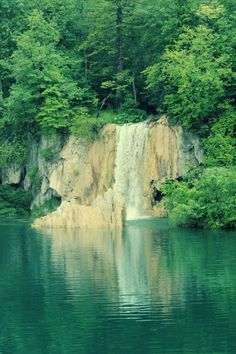 Pletvice lakes, Croatia I definitely have to go there!!
