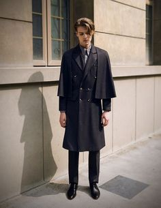 High quality retro British style man coat with matched inverness cape, various sizes doable, providing express shipping
