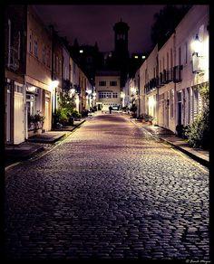 Ennismore Mews at night