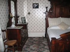 Lizzie Borden Bed And Breakfast | The Lizzie Borden Bed and Breakfast Museum, 230