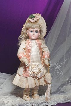 143: SUPERB EARLY FRENCH BISQUE BEBE BY SCHMITT ET FILS : Lot 143