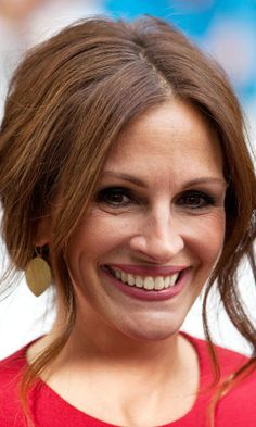 Julia Roberts for the ultimate in vintage party glamour.