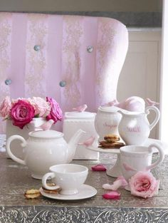 Love teacups with pink flowers.