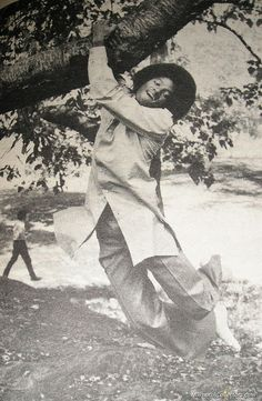 Michael Jackson - Central Park Photoshoot, 1978 - Cuteness in black and white ღ  by ⊰@carlamartinsmj⊱