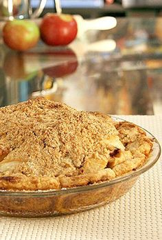Best Dutch Apple Pie  Cinnamon Roll Pie Crust via @https://www.pinterest.com/Pieandpastrygal/