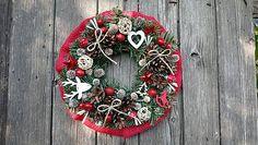 Dadyart / Vianočný venček Burlap Wreath, Ale, Christmas Wreaths, Holiday Decor, Home Decor, Christmas Swags, Homemade Home Decor, Holiday Burlap Wreath, Ale Beer