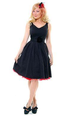 http://www.trendfolder.com/ |  #black dress -  vintage dress