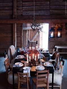 Let's eat and drink at this table...