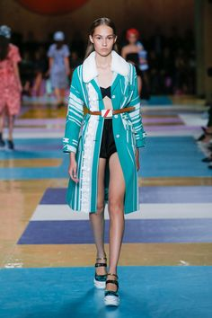 See all the Collection photos from Miu Miu Spring/Summer 2017 Ready-To-Wear now on British Vogue Fashion 2017, Couture Fashion, Spring Fashion, Fashion Show, High Fashion, Miu Miu Glasses, Smocked Baby Dresses, Cute Outfits For School, Fashion Seasons