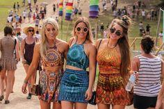Pode apostar em mandalas, tie dye e visual bem hippie para arrasar em festivais de música!  #moda #fashion #look #music
