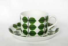 Stig Lindberg Bersa teacup, a modern classic. Coffee Cups And Saucers, Cup And Saucer, Tea Cups, Vintage Dishware, Vintage Ceramic, Stig Lindberg, Modern Classic, Ceramic Pottery, Designer