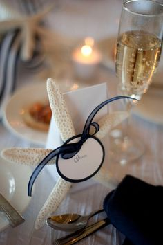 These starfish place cards are perfect for a nautical or seaside wedding.
