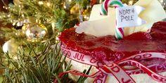 En stekt ostekake som virkelig smaker jul! Hvem har ikke mye rester av grøt i jula! Så hvorfor ikke bruke det i denne deilige ostekaken!?;-) Veldig enkel å lage. Og smaker fantastiskt! Og vil du skeie litt ut? Prøv 2-3 ss med portvin i bærkompotten;-)