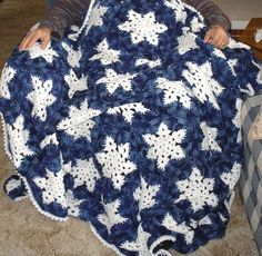 Snowflake afghan   I want to learn to do this!  Who can teach me??