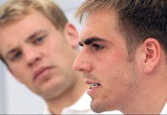 Philipp Lahm und Manuel Neuer - Haha, look at Manu's face :D