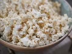 """French Onion Popcorn (Fridays with Delilah) - Trisha Yearwood, """"Trisha's Southern Kitchen"""" on the Food Network. Popcorn Recipes, Snack Recipes, Cooking Recipes, Popcorn Toppings, Appetizer Recipes, Trisha's Southern Kitchen, Southern Dishes, Southern Food, French Onion Dip"""