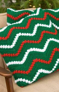 Christmas Ripple Pillows Free Crochet Pattern from Red Heart Yarns