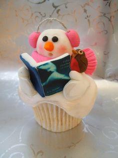 Christmas Cupcakes - too funny Snowman Cupcakes, Love Cupcakes, Yummy Cupcakes, Decorated Cupcakes, Christmas Tree Chocolates, Christmas Cake Pops, Christmas Treats, Mini Tortillas, Fondant Cakes