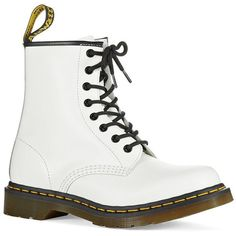 Dr. Martens Original Dr Martens Boots (760 VEF) ❤ liked on Polyvore featuring shoes, boots, white, front lace up boots, rounded toe boots, lace front boots, white shoes and white boots