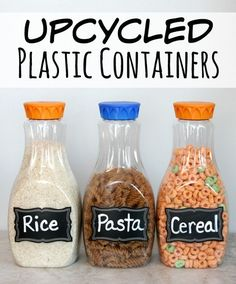Upcycled Plastic Containers to use in your Pantry Need a quick and easy way to organize your pantry? These upcycled plastic containers will keep your kitchen pantry neat and organized. Reuse Plastic Containers, Recycling Containers, Plastic Container Crafts, Storage Containers, Food Containers, Plastic Bottle Reuse, Plastic Waste, Chalet Camping, Upcycled Crafts