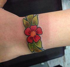 #flower #colouredflower #renklidövme #çiçek #dövme #tattoo #tattoomodels #dövme modelleri #hakangerçektattooshop #inked #womentattoos #flowers #lovetattoos