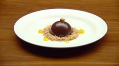 Sashi's chocolate mousse dome sits on top of a crunchy hazelnut crumble, along with citrus bursts of yuzu jelly. Chocolate Mix, Chocolate Hazelnut, Chocolate Recipes, Masterchef Recipes, Hazelnut Praline, Masterchef Australia, Master Chef, Tray Bakes, Jelly