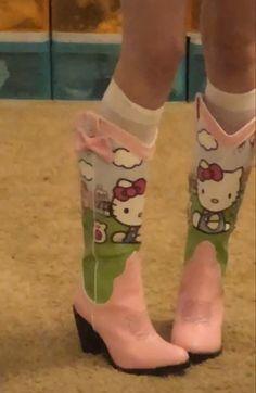 Dr Shoes, Me Too Shoes, Shoes Heels, Pumps, Aesthetic Shoes, Aesthetic Clothes, Aesthetic Indie, Pretty Shoes, Cute Shoes