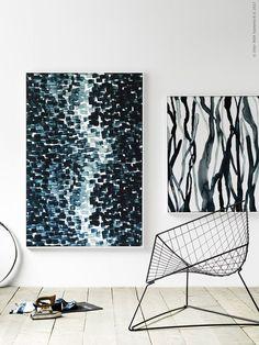 STOCKHOLM 2017 metervara blir till konst på väggen. Den fina skulpturala IKEA stolen OTIS är vintage.