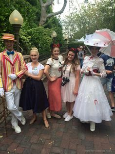 Something I noticed as a PhotoPass Photographer at Walt Disney World, was that many guests who visited Disney characters were not meeting characters in the best way! Cute Disney Characters, Walt Disney World, Sisters, Florida, Inspiration, Fashion, Biblical Inspiration, Moda, Fashion Styles
