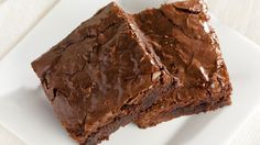 Protein-Packed Avocado Brownies (gluten, dairy free - can also make SF) 4 eggs 1 cup sugar (/alt) 8 oz semi-sweet chocolate chips cup cacao powder tsp good sea salt 2 tsp vanilla extract 2 ripe avocados, mashed smooth cup almond meal Low Carb Desserts, Gluten Free Desserts, Low Carb Recipes, Dessert Recipes, Cooking Recipes, Cake Recipes, Health Recipes, Top Recipes, Recipes Dinner
