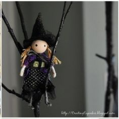 Halloween is the perfect season to make crafts with kids. With the weather turning chilly, indoor craft projects will keep them happily occupied. What might be more satisfying is that the children are helping you to decorate for this spooky holiday. Fun Halloween Crafts, Halloween Doll, Halloween Trees, Halloween Projects, Holidays Halloween, Vintage Halloween, Craft Projects, Happy Halloween, Halloween Decorations