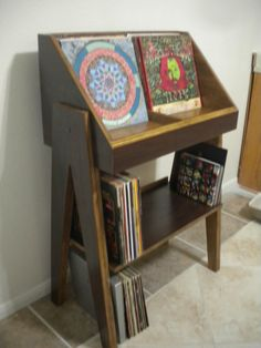 Fully customizable vinyl record display and storage stand