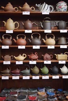 if tea shop includes retail element, good teapots. Tee Set, Keramik Design, Tea Culture, Teapots And Cups, Chinese Tea, My Cup Of Tea, Chocolate Pots, Tea Accessories, Ceramic Pottery