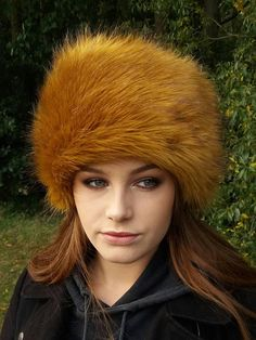 Stunning Golden Faux Fur Hat with Cosy Polar Fleece Lining 7ba398e4f04e